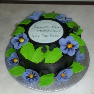 purple poppy flower cake